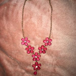 Jewelry - Pink flower necklace